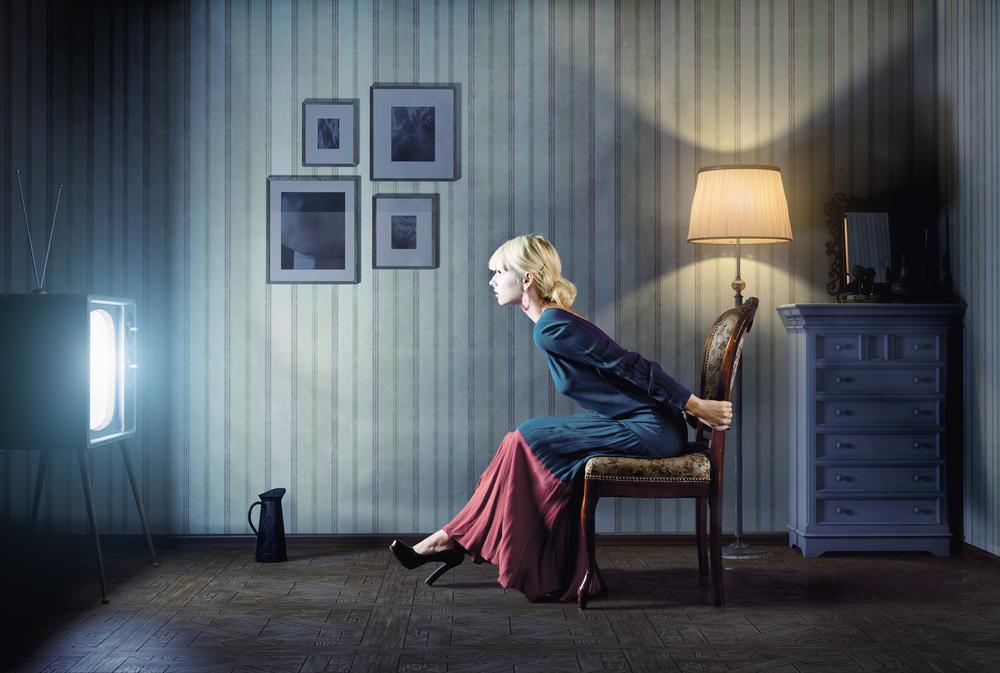 Gdzie są ci, którzy nie oglądają telewizji? Według najnowszych danych Polacy spędzają przed telewizorem coraz więcej czasu