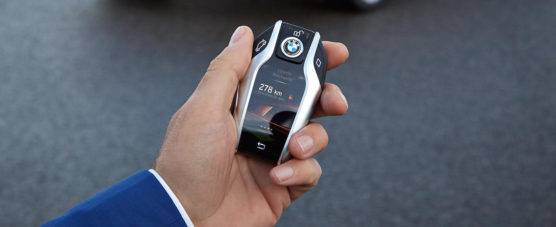 Minęło 8 lat od smartfonowej rewolucji, a producenci samochodów dalej nie wiedzą o co chodzi