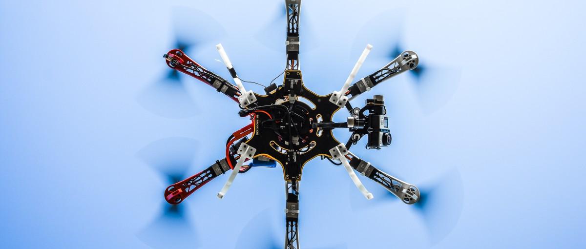 Ile kosztuje naprawa drona ze sprzętem foto po nurkowaniu w wodzie?