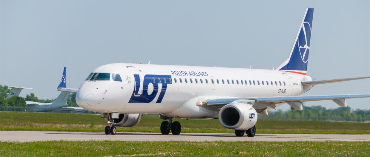 Atak hakerski na LOT. Samoloty bezpieczne, ale nie mogą wylecieć z Warszawy
