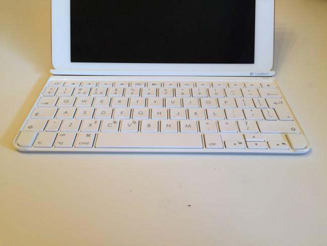 logitech-ultrathin-ipad-air-2-keyboard-6