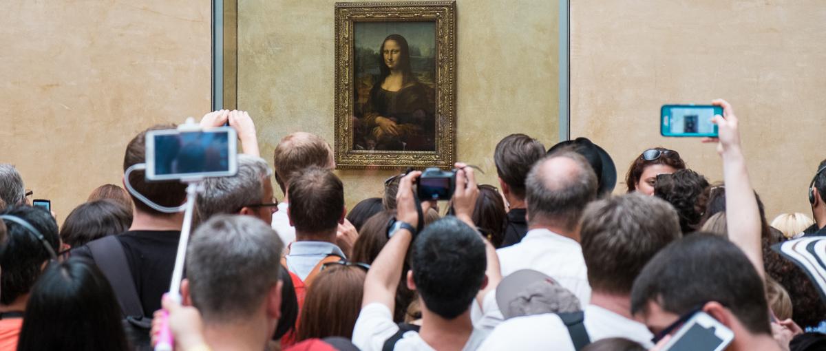 Monsieur, selfie stick? Czyli o najpopularniejszej pamiątce z wakacji w Paryżu
