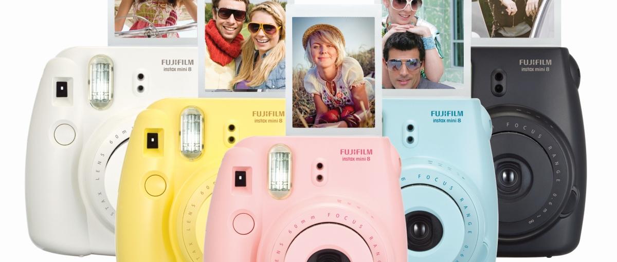 Rynek foto staje na głowie. Najchętniej kupowanym aparatem jest analogowy Fuji Instax
