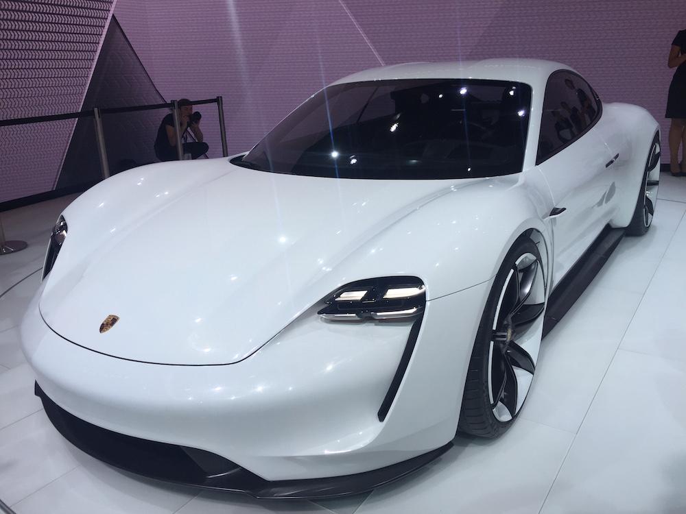 Porsche Mission E, 1