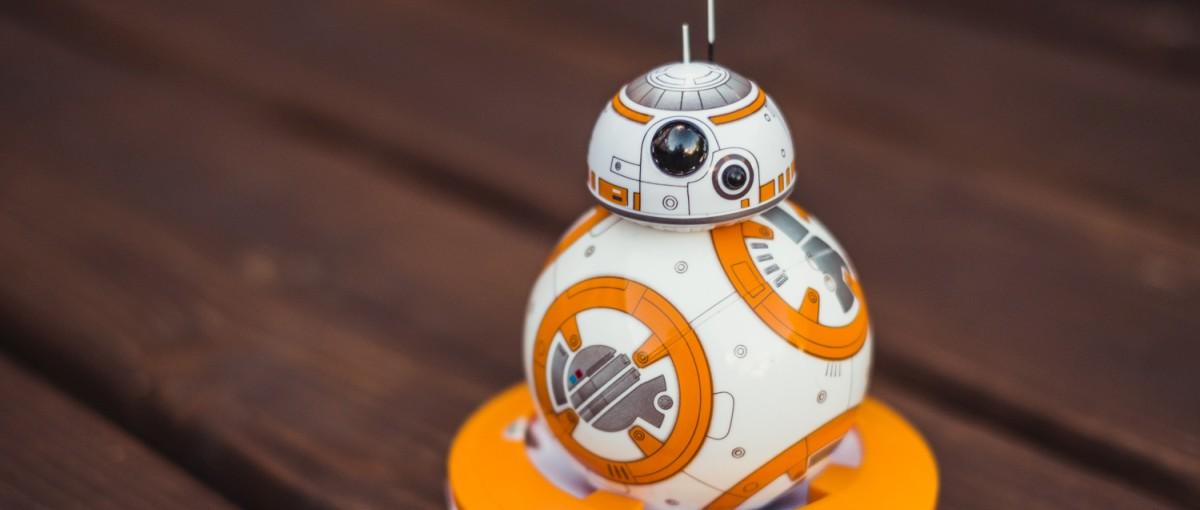 Idealna zabawka dla fana Gwiezdnych wojen. Droid Sphero BB-8 – recenzja Spider's Web