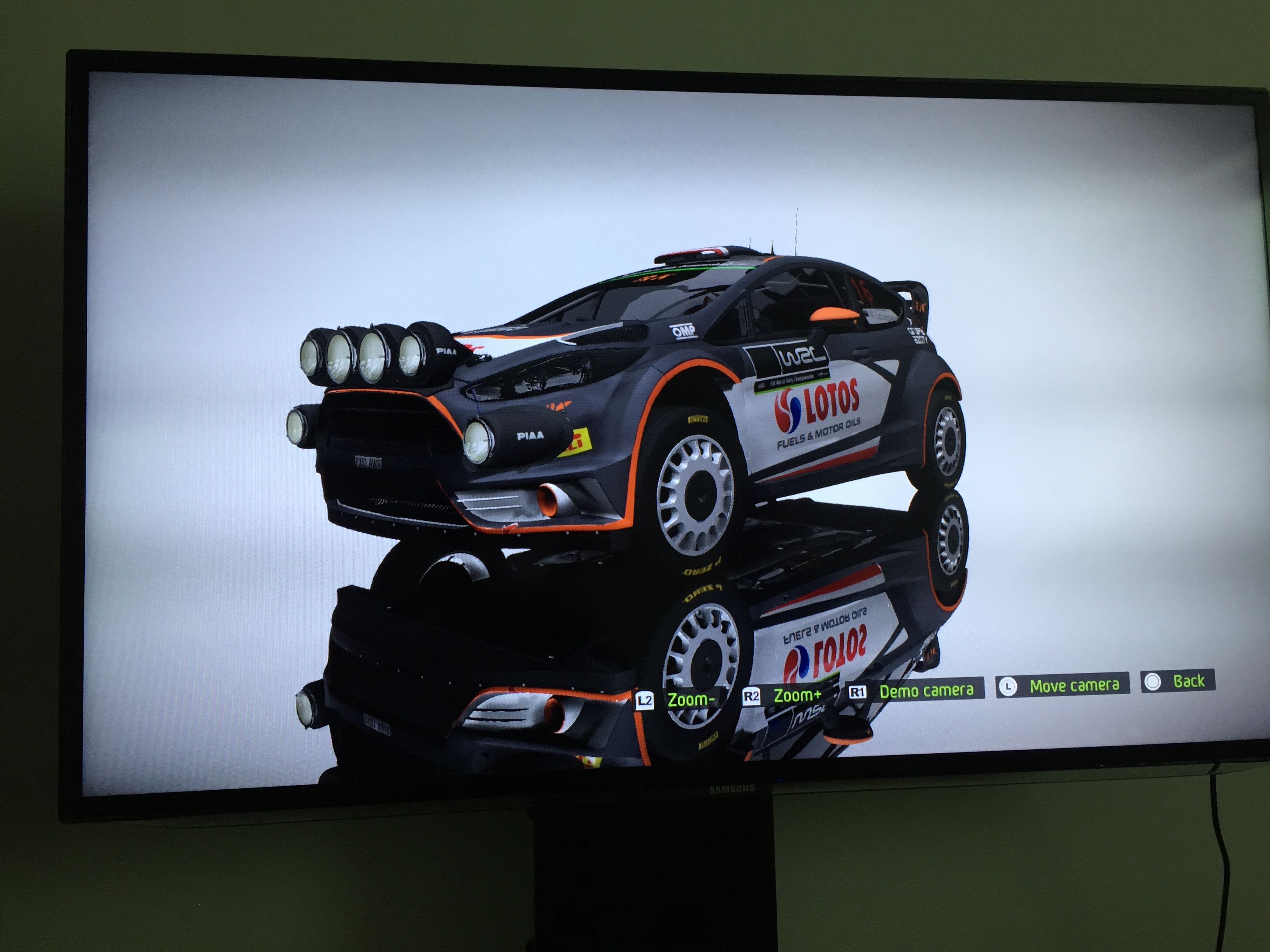 Zaśnieżone lasy, błotniste polne drogi i mokry asfalt – graliśmy już w WRC 5, czyli pierwszągrę rajdową na konsole nowej generacji