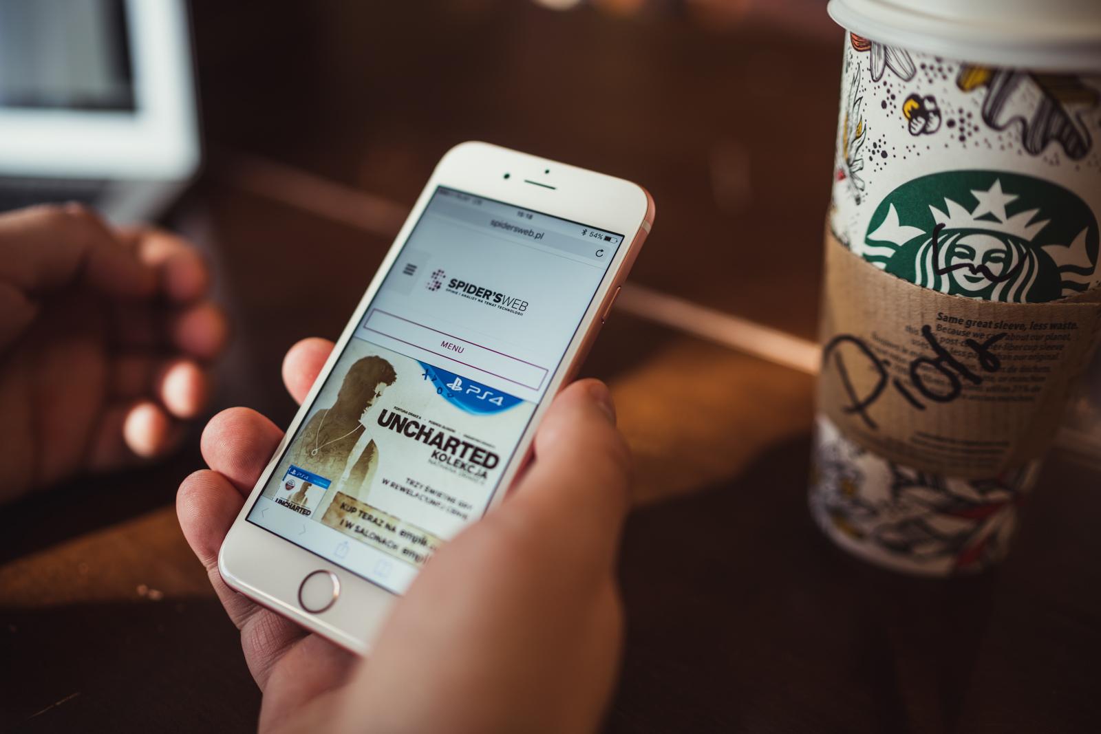 Gruba afera czy kaczka dziennikarska? iPhone 6 i 6 Plus mają rzekomo fatalną wadę techniczną