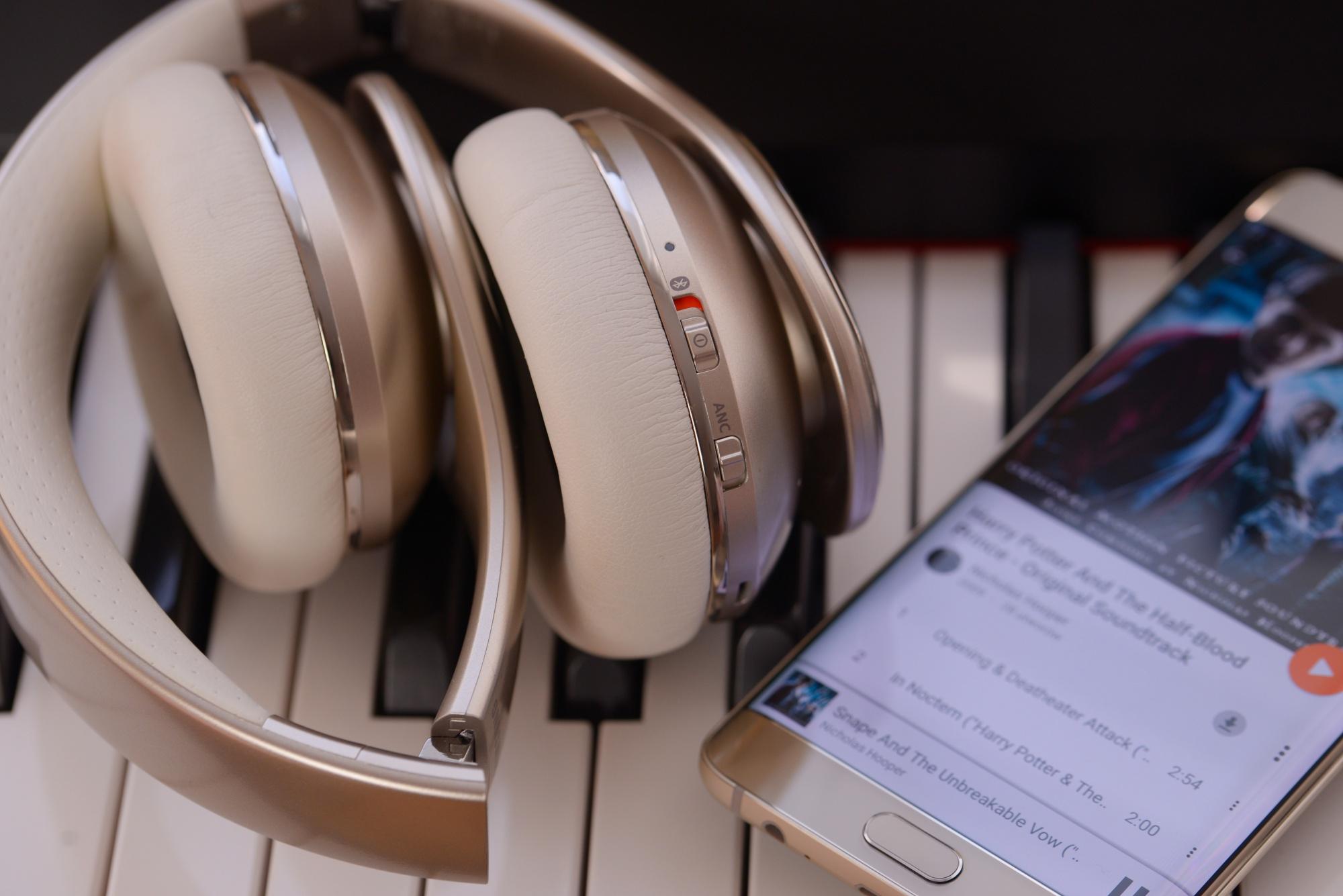 Z pamiętnika podróżnika: w poszukiwaniu dobrych słuchawek Bluetooth