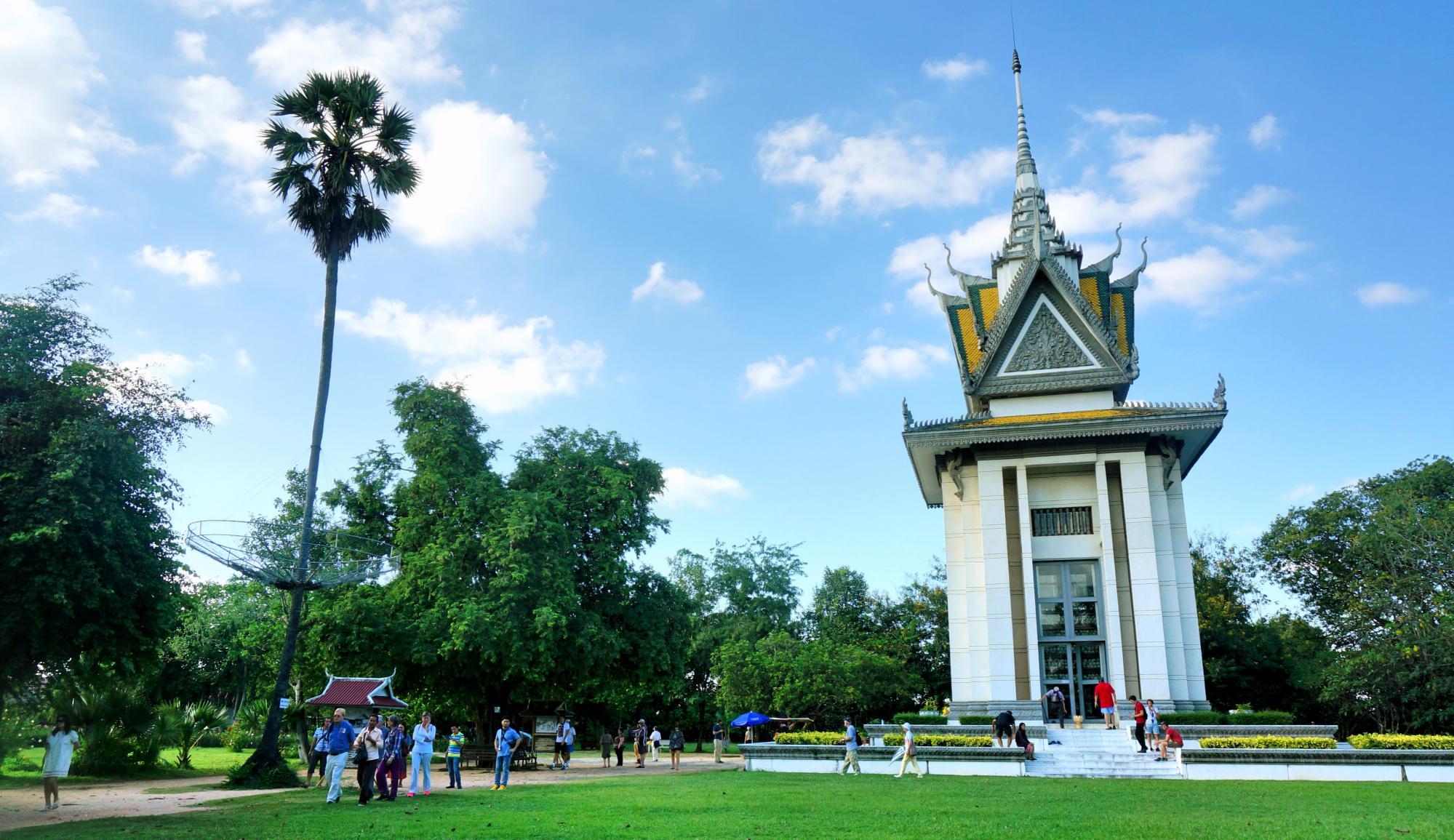 Zaledwie 40 lat temu krwawi dyktatorzy zamordowali 1/4 ludności Kambodży. Oto jak dziś wyglądają miejsca tortur