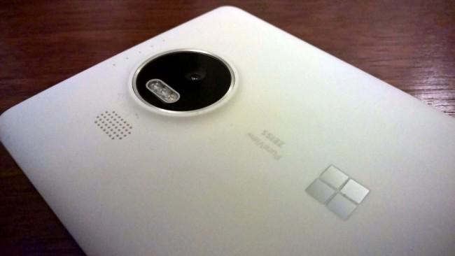 Lumia-950-XL-2