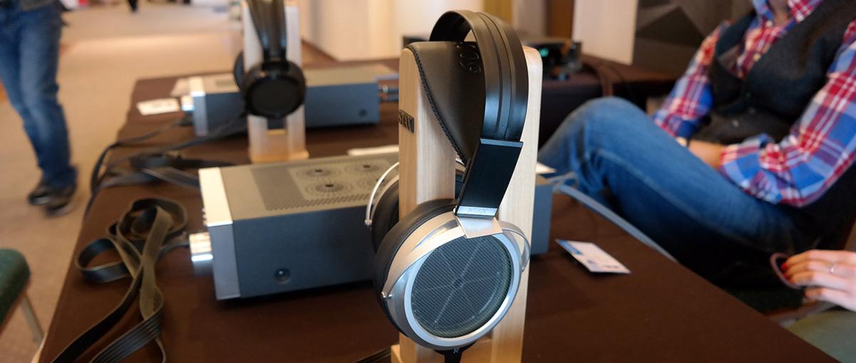 Te słynne elektrostatyczne słuchawki SR Omega 009 kosztują… 20 tys. zł. Ale słychać różnicę