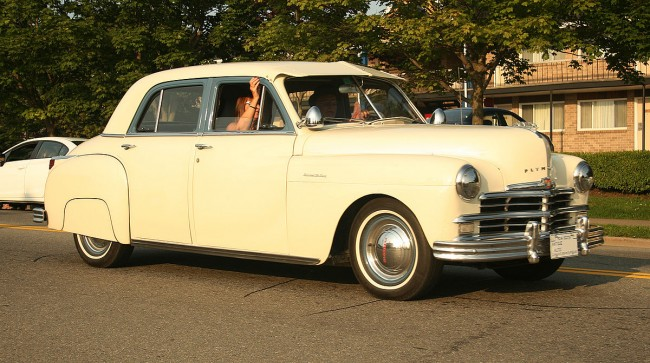 1200px-1949_Plymouth_Special_Delux