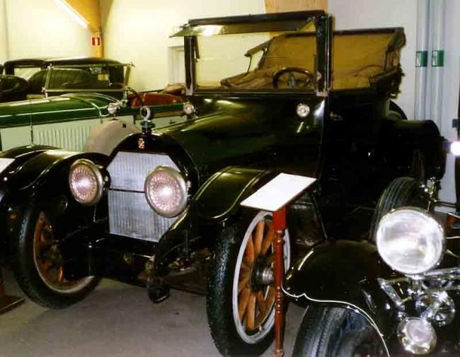 Cadillac_V8_Cabriolet_1916