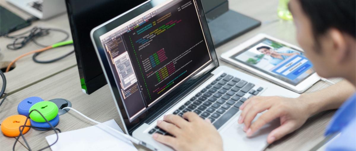 Polscy uczniowie w świecie cyfrowym czują się jak ryba w wodzie. 4000 z nich uczyło się programowania