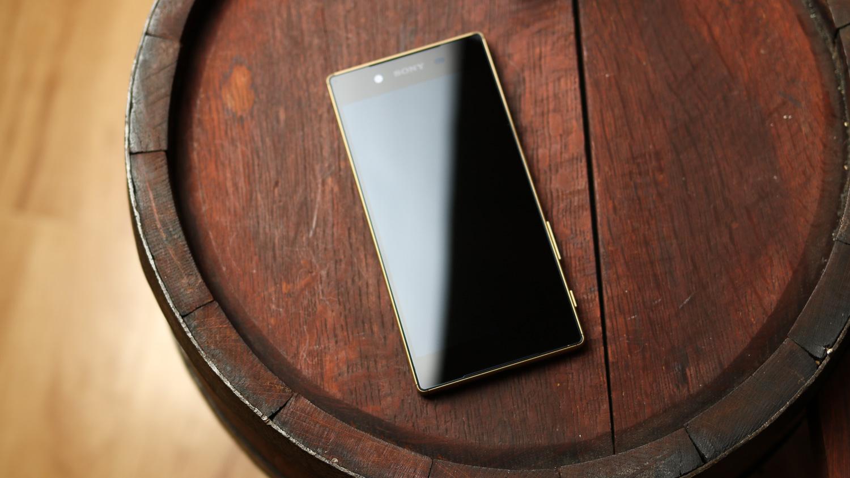 Zobacz, jak prezentuje się Sony Xperia Z5 – recenzja Spider's Web TV