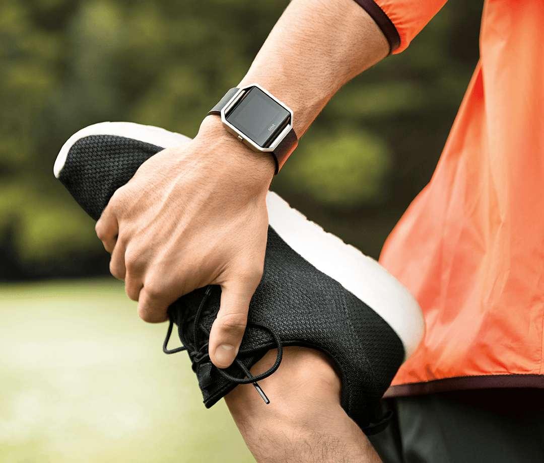 Zapomnij o opaskach fitness. Tym razem Fitbit postawił na zegarek sportowy