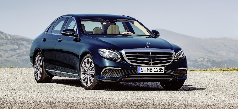 Nowy Mercedes E jest jak rój owadów. Porównanie dziwne, ale producent dobrze wyjaśnił o co chodzi