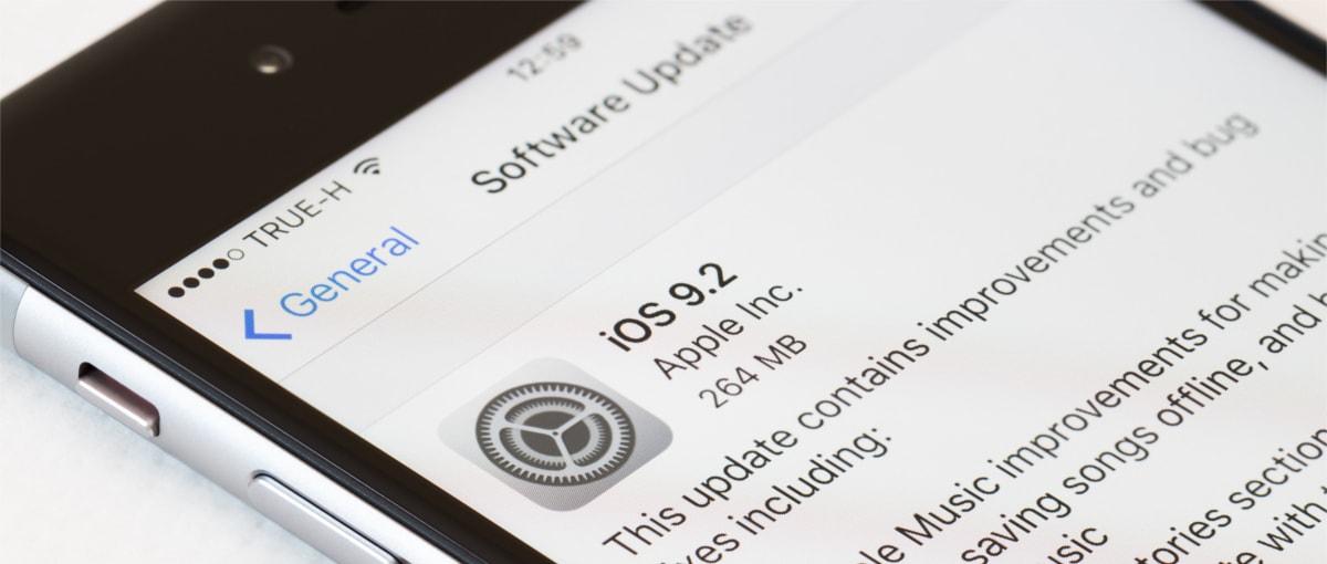 Apple leci po bandzie – aktualizacja oprogramowania psuje iPhone'y, które naprawiano w nieautoryzowanym serwisie