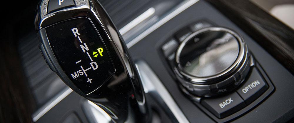4 przykłady technologicznych bajerów w samochodach, które naprawdę się przydają