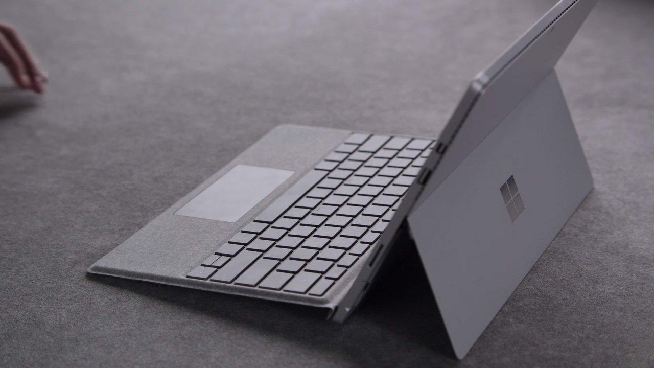 Surface kontra MacBook to bitwa, w której zapewne zwycięży Google