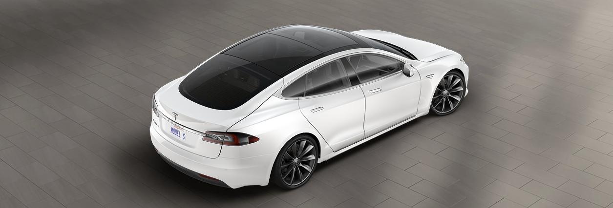 Tylko Tesla mogła się zdecydować na taki ruch. Czas na wyposażenie w wersji demo