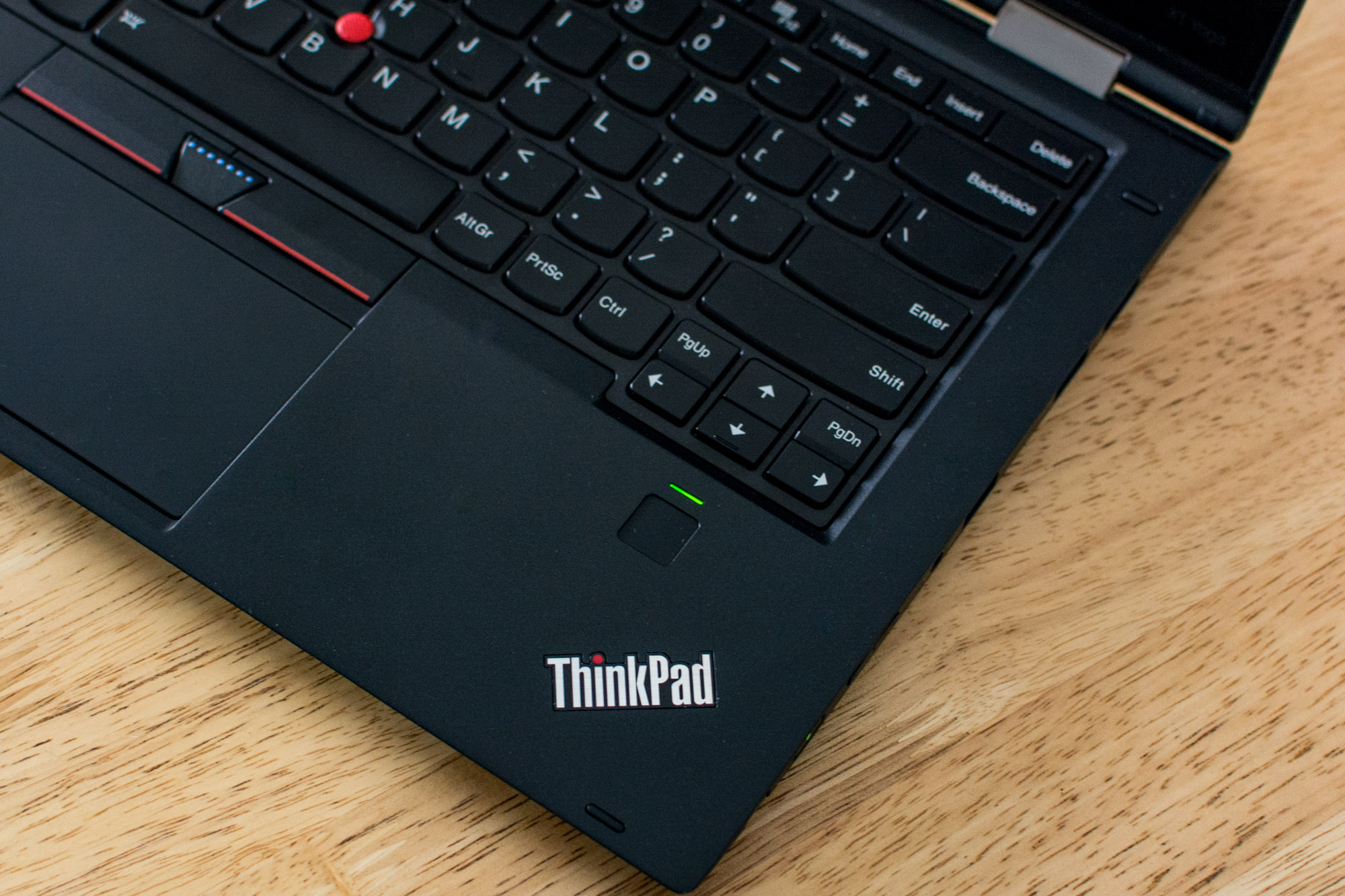 Lenovo-Thinkpad-X1-Yoga-5
