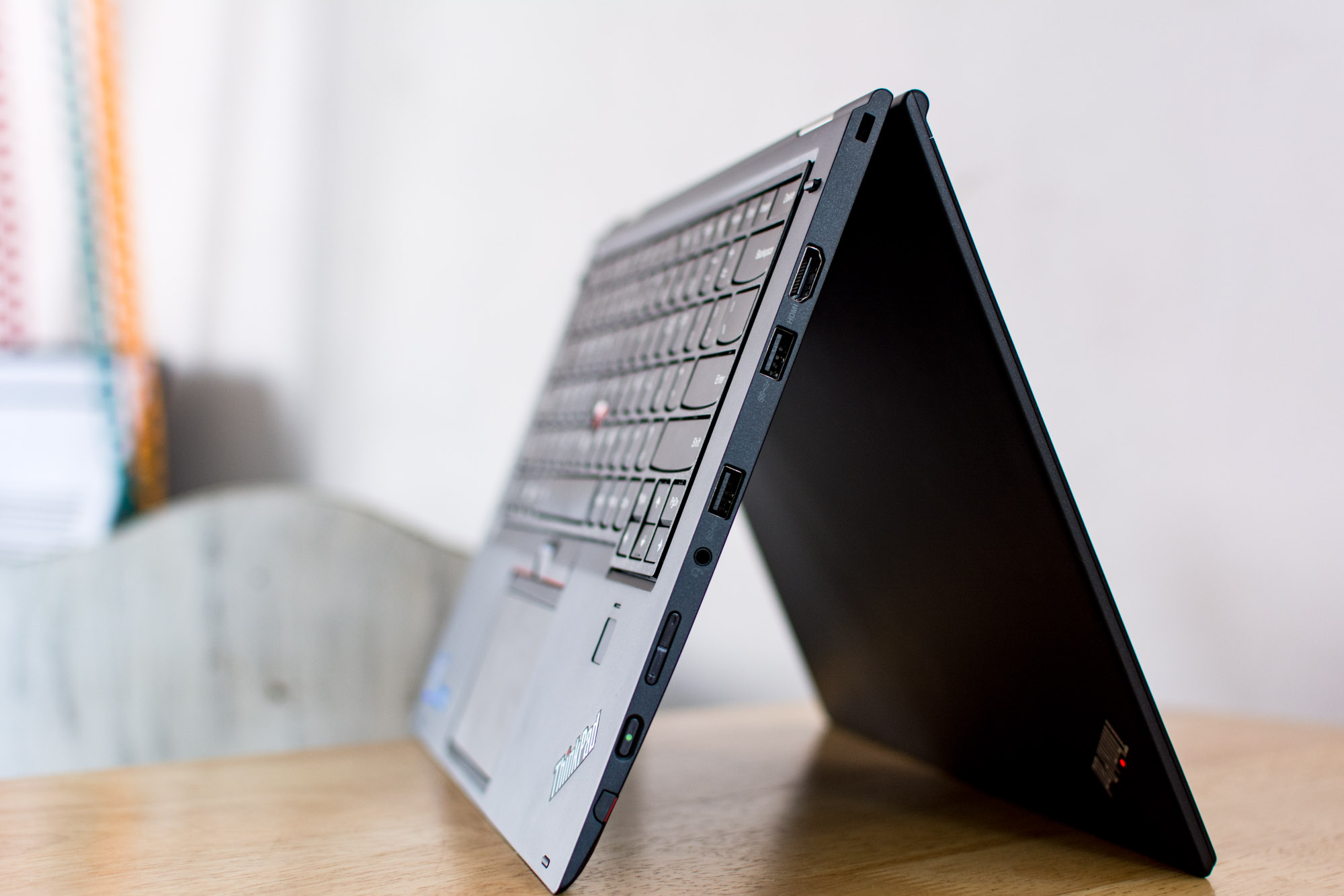 Lenovo-Thinkpad-X1-Yoga-8