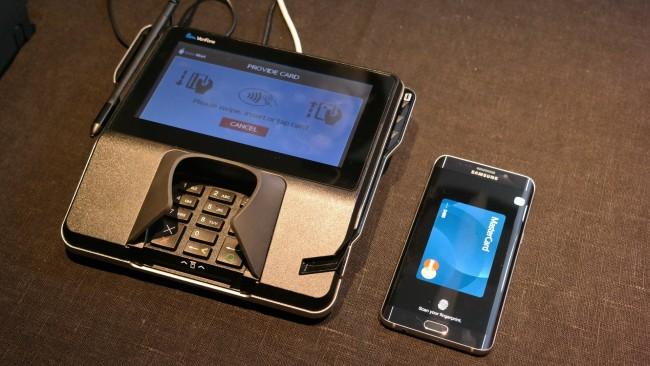 Testowo płaciliśmy już smartfonem za pomocą Samsung Pay