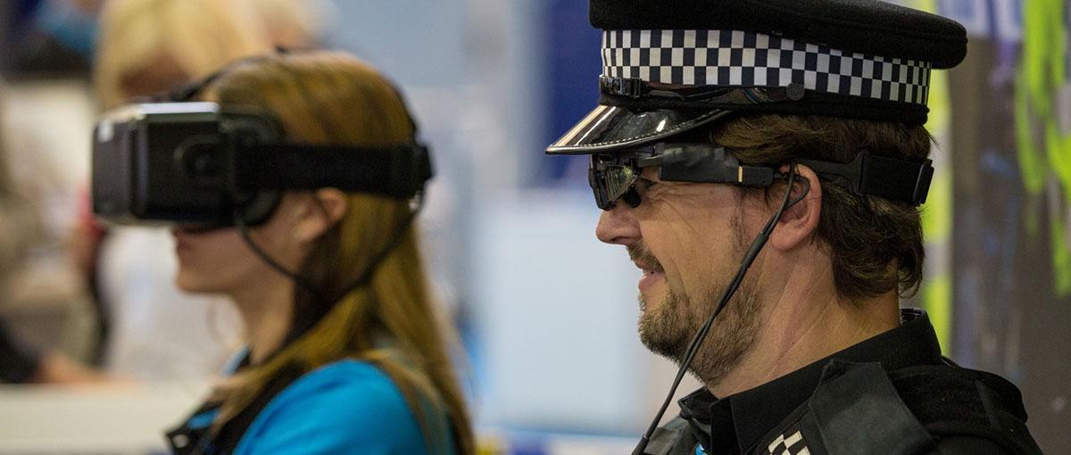 Cyberpunk nadciąga! Motorola pokazała, jak będą wyglądać gliniarze przyszłości
