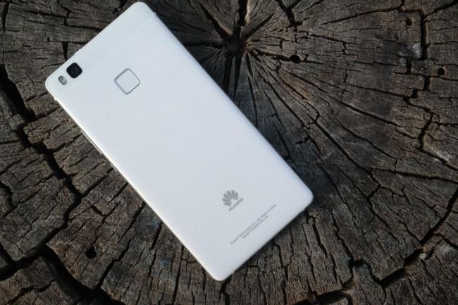 Jaki smartfon do 1000 złkupić ? Dobrą propozycją może być Huawei P9 Lite.