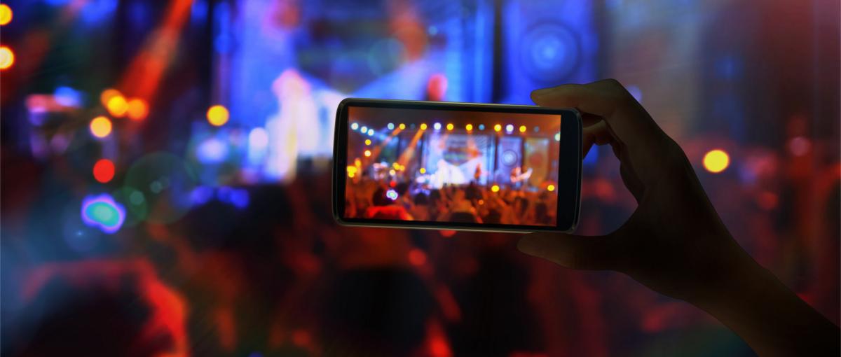 Na Facebooka wrzucisz zdjęcia w 360 stopniach. Żeby je zrobić potrzebujesz tej aplikacji