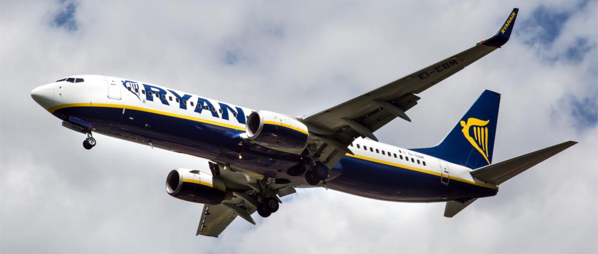 Od dziś w Ryanair obowiązują nowe zasady przewozu bagażu. Jak podróżować z laptopem i aparatem?