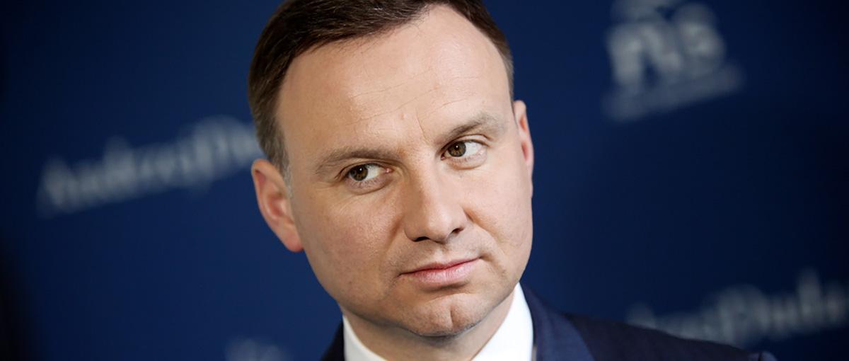 Prezydent Duda pyta, dlaczego UE zakazała sprzedaży tradycyjnych żarówek. Spider's Web odpowiada