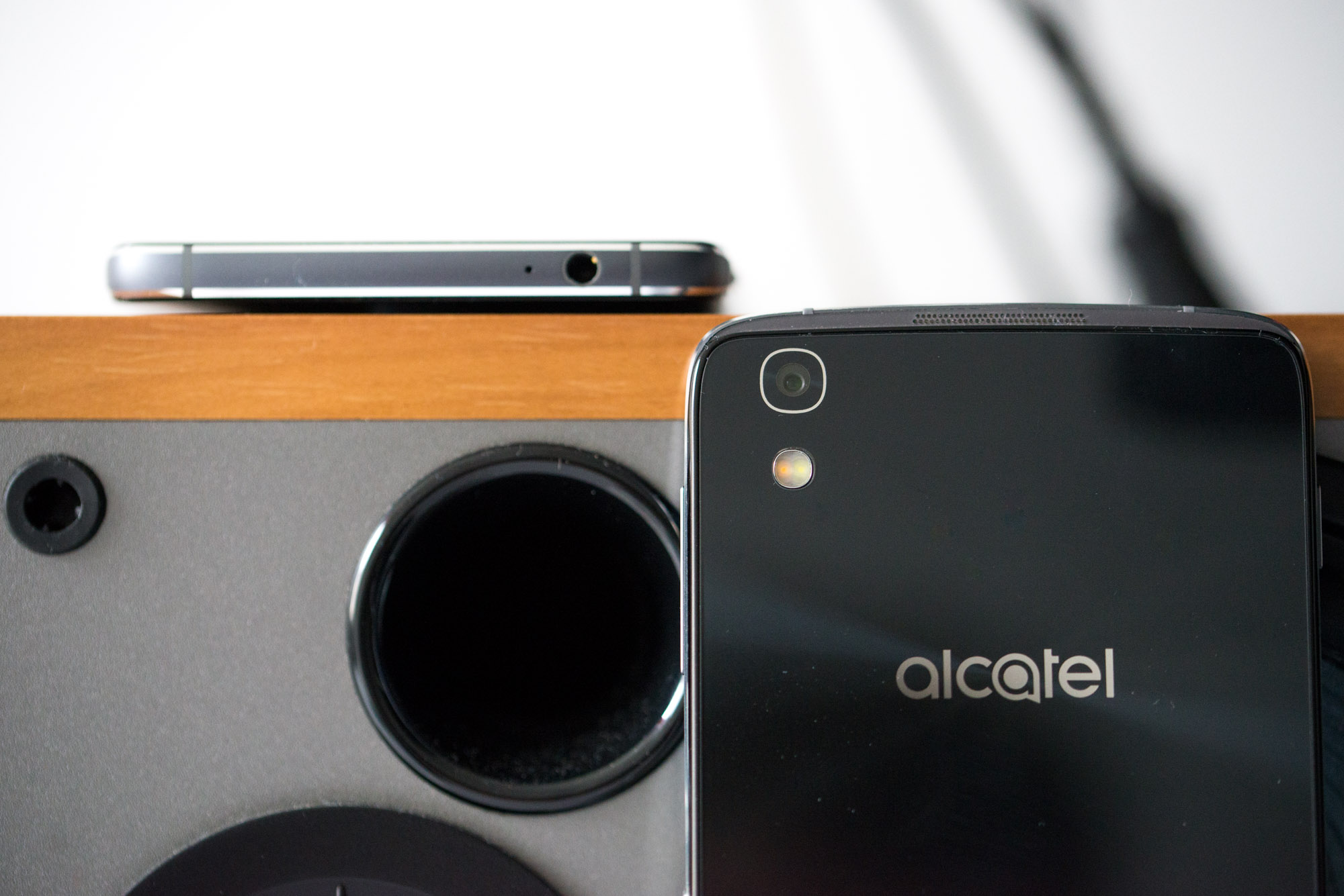 Alcatel-Idol-4-4s-8