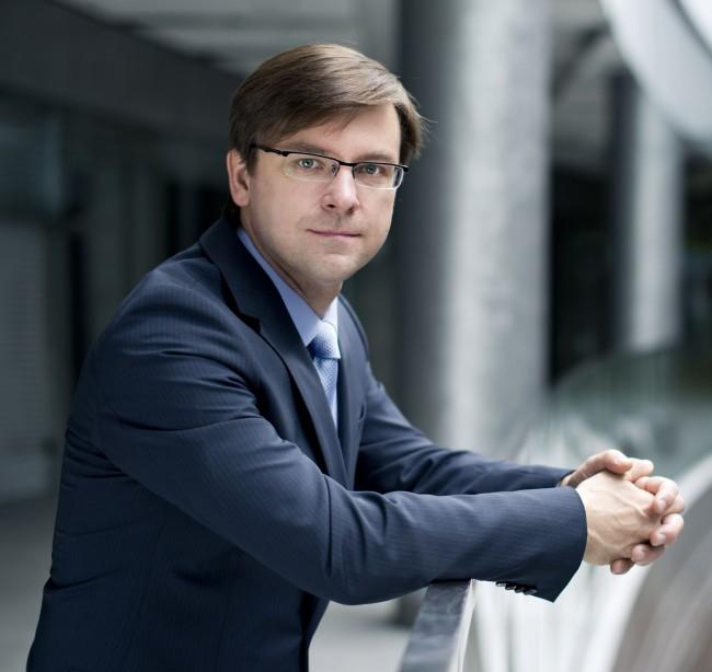 Artur Sawicki kierujący wrocławskim Center of Excellence.