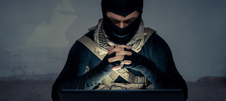 Facebook, Twitter i YouTube wylęgarnią terrorystów? Brytyjscy parlamentarzyści ostro o gigantach Internetu