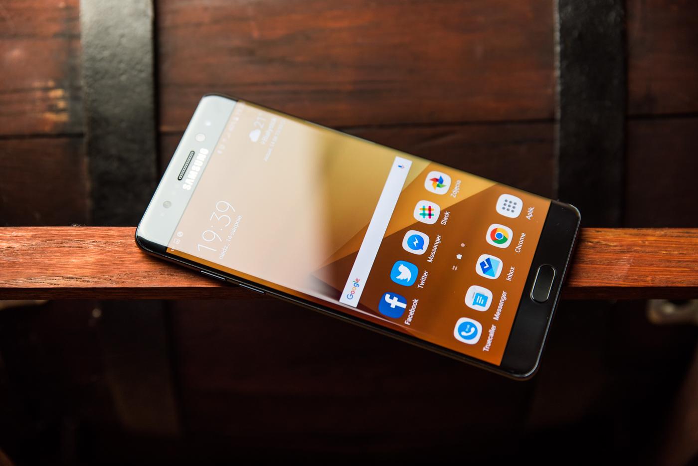 Afera z wybuchającymi Note'ami 7 nie zaszkodziła Samsungowi?