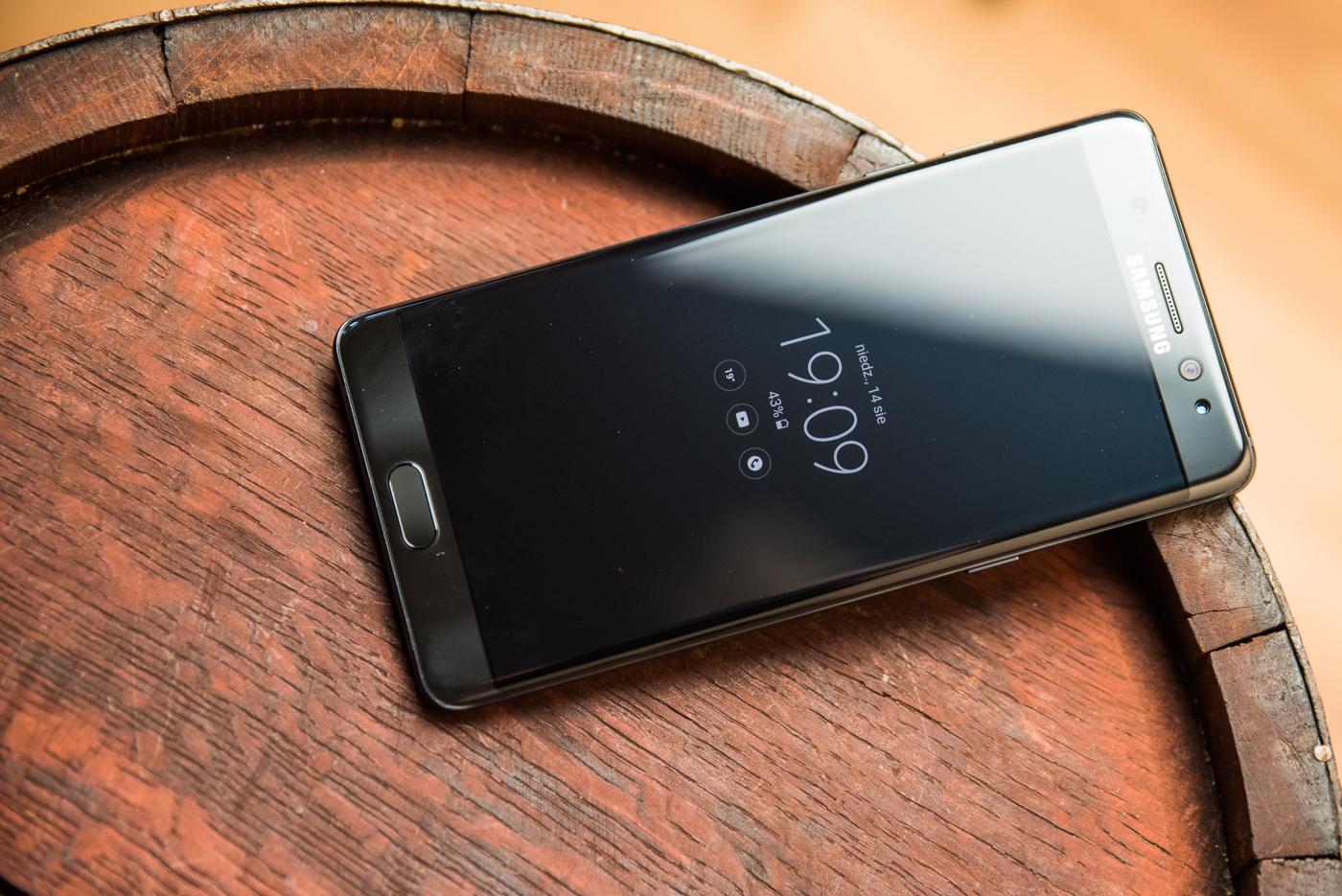 Samsung chciał wyprzedzić Apple, a został w tyle. Wiemy, kiedy Note 7 wróci na sklepowe półki