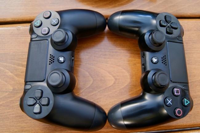 Nowy, matowy DualShock 4 z lewej, stary, błyszczący DualSHock 4 z prawej