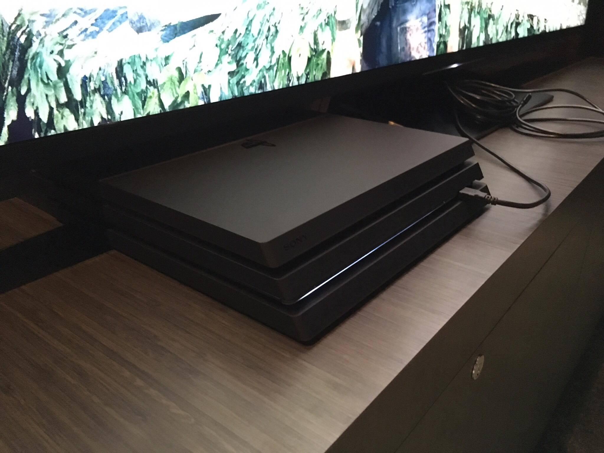 Jesteśmy w Nowym Jorku i oglądamy PlayStation 4 Pro i 4 Slim. Tak wyglądają nowe konsole Sony