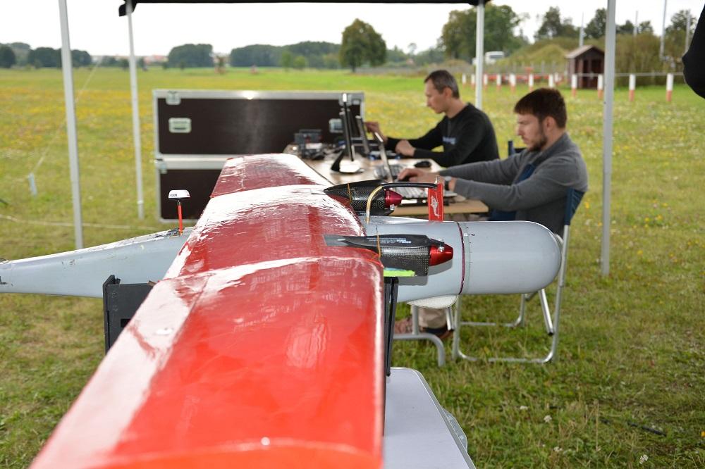 Brawo! Polscy studenci wraz ze zbrojeniowym gigantem opracowali nowy system zarządzania dronami