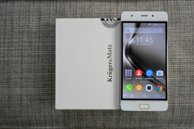Jaki smartfon do 1000 zł kupić? Dobrą propozycją może być Kruger&Matz Live 4S.