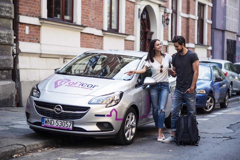 Potrzebujesz samochodu, ale nie chcesz go kupować? W Krakowie to już nie problem