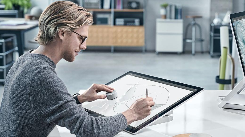 Zachwyciłem się Surface'em Studio. Czar prysł, gdy przypomniałem sobie, kto go wyprodukuje