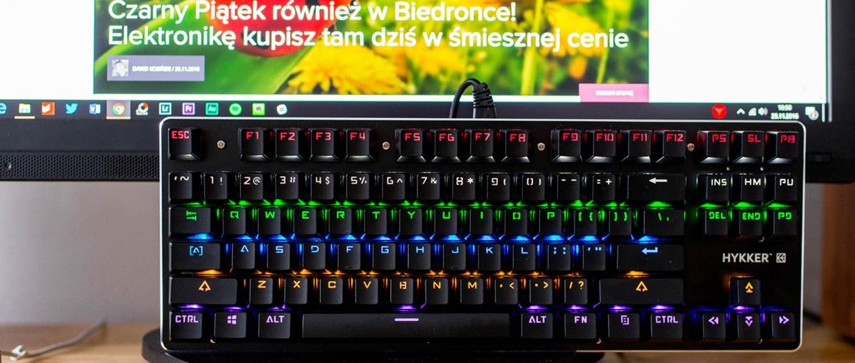 W sklepach Biedronka dostępna jest świetna klawiatura mechaniczna.