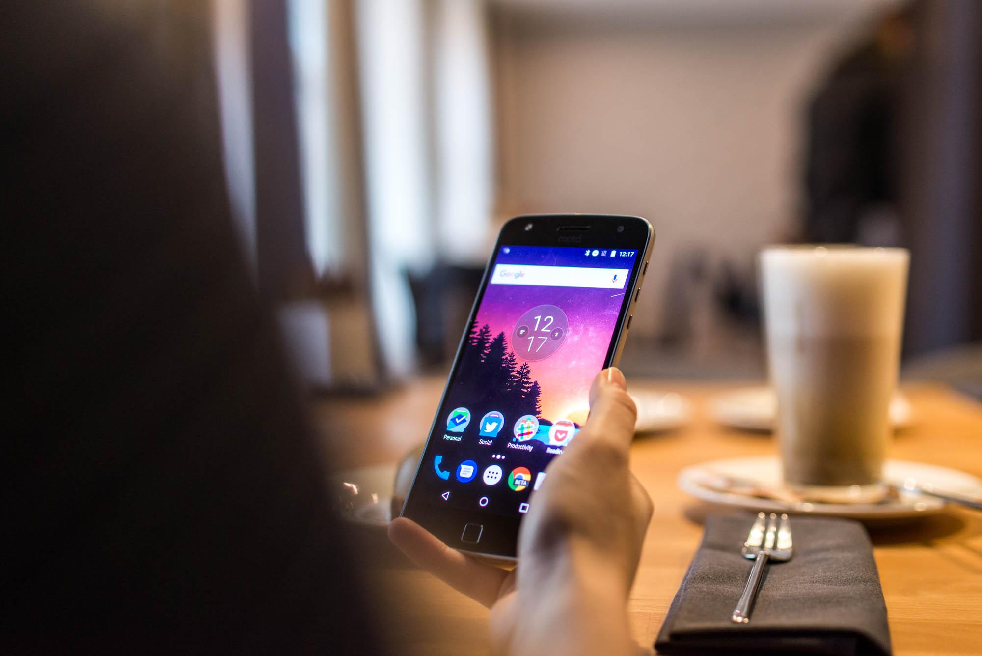 Google właśnie pokazał nową aplikację na Androida. Dzięki niej SMS-y odejdą do lamusa