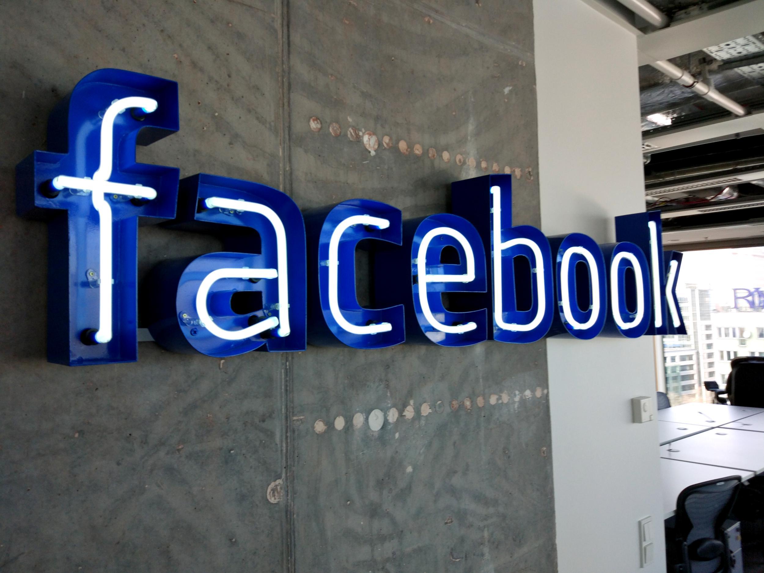 Niemiecki fotograf pozwał Facebooka za usuwanie danych EXIF. I wygrał
