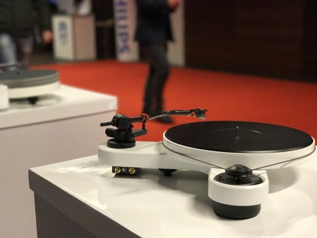 Gramofony i winyle na Audio Video Show 2016