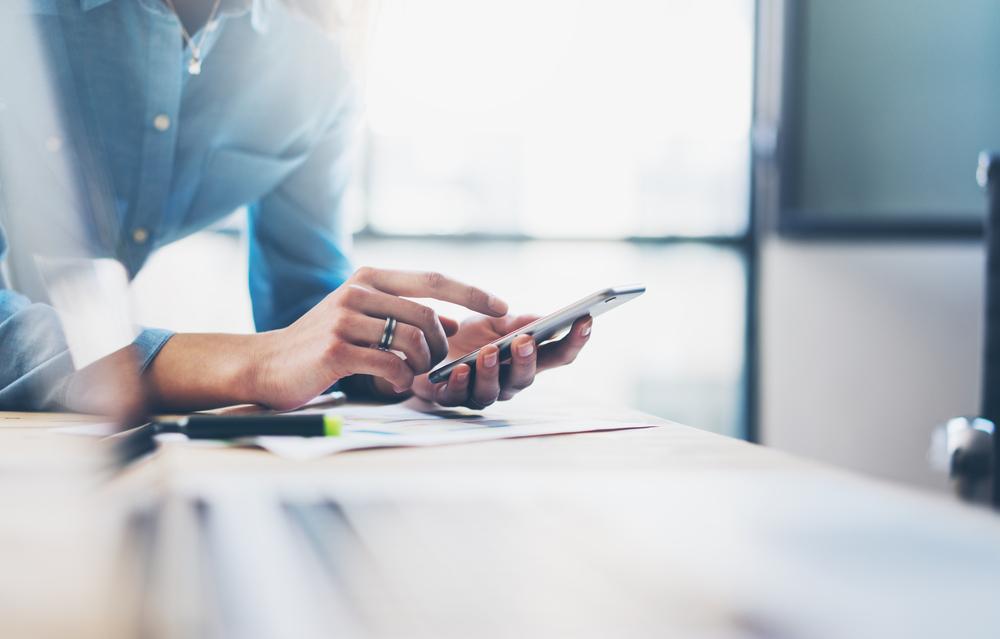 Urządzenia mobilne zrobiły więcej ruchu w sieci niż desktopy, ale… na Polakach wrażenia to nie robi