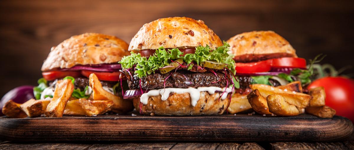 Jesz śmieciowe jedzenie? Ponoć winę za to ponoszą blogerzy kulinarni